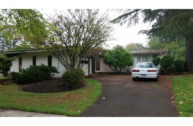 1740 SW Huntington Ave Sold