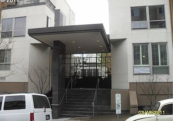 1535 SW Clay St #103 Sold