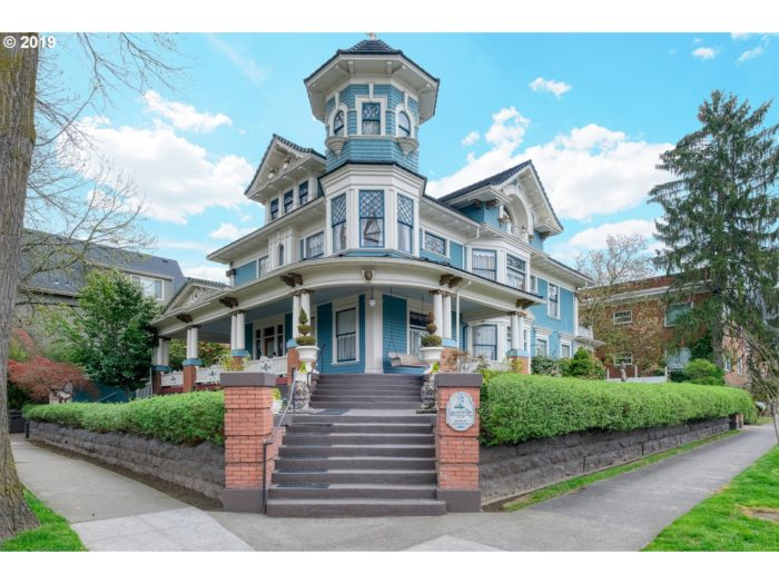 A typical Victorian home in Portland